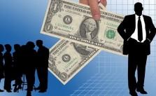Banci care acorda credite cu salariul minim pe economie